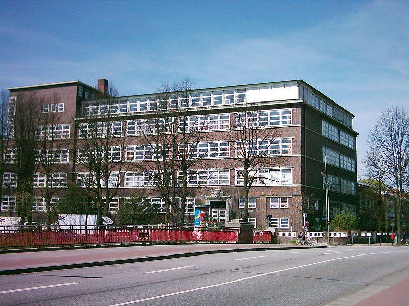 File:Berufliche Schule Uferstrasse 01.jpg