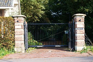 Frits Fentener van Vlissingen (1882) - Gate of the Beukenhorst estate where Frits Fentener van Vlissingen lived with his wife for the last 11 years of his life, now a rijksmonument.