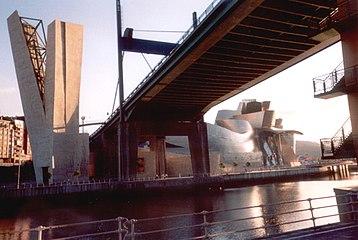 Bilbao-Guggenheim Museum-2005.jpg