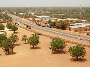 Geography of Niger - Image: Blvd Mali Bero from grand mosquee niamey