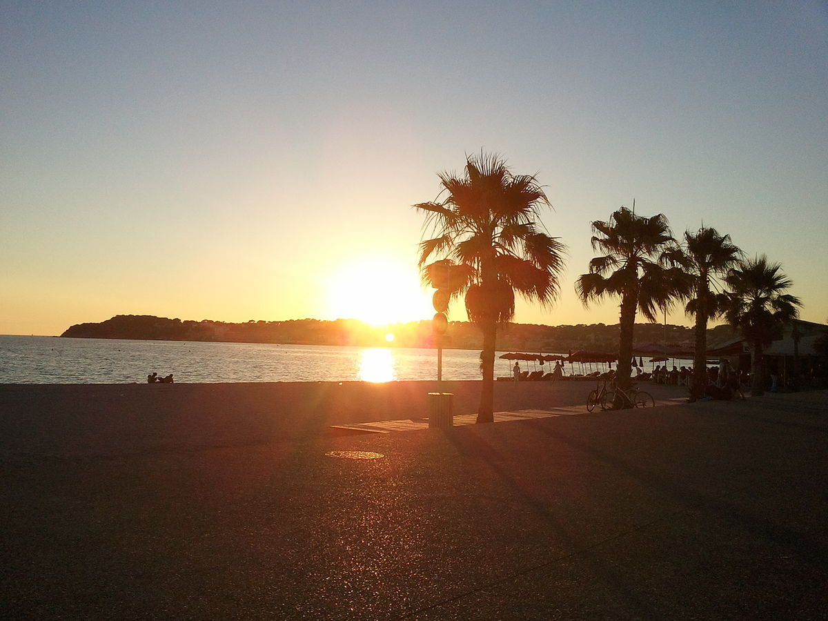 Six fours les plages wikipedia - Plage la plus proche de salon de provence ...