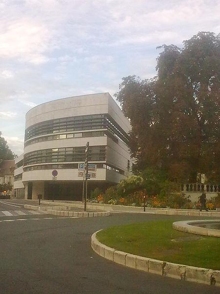 File:Bourges hotel de ville.jpg