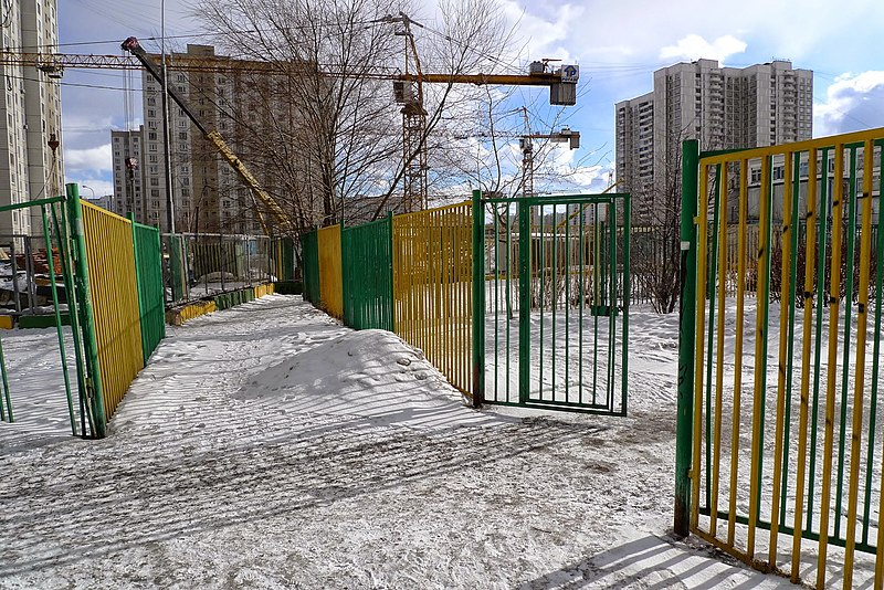 File:Brateyevo District, Moscow, Russia - panoramio (86).jpg