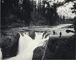 Snoqualmie Falls - Image: Brinkof Snoqualmie Falls 1890FJHaynes