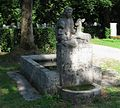 Brunnen im Friedhof am Perlacher Forst Muenchen-6.jpg