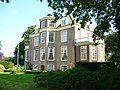 Buitenplaats Vechtoever langs de Vecht in Maarssen hoofdgebouw schuin.jpg