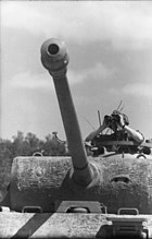 Bundesarchiv Bild 101I-478-2167-09, Italien, Panzer V (Panther), Panzersoldat