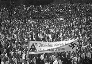 German Youth Hostel Association - Hitler Youth in Berlin's Lustgarten on 19 August 1933