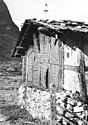 Bundesarchiv Bild 135-KA-05-035, Tibetexpedition, Haus in Lachung.jpg