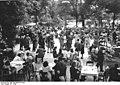 Bundesarchiv Bild 183-2005-0722-503, Berlin, Tanz im Zoo.jpg