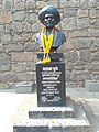 Busts of Mahatma Phule at Bindu Chowk in Kolhapur 02.jpg