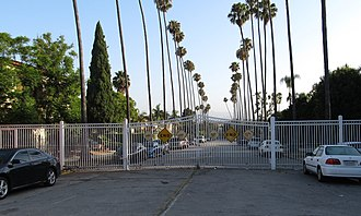 Country Club Park, Los Angeles - Image: CCP Gate at Wilton