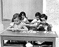 CHILDREN SORTING TAGS FOR KEREN KAYEMET DAY. תלמידי בית ספר יסודי מתכוננים לגיוס כספים לקרן קיימת לישראל.D516-064.jpg