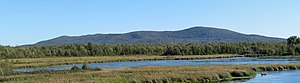 Mont Shefford - Mont Shefford seen from Lac Boivin in Granby.