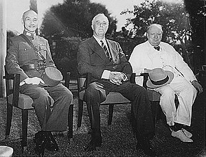 Three men, چیانگ کای‌شک، Roosevelt and Churchill, sitting together elbow to elbow