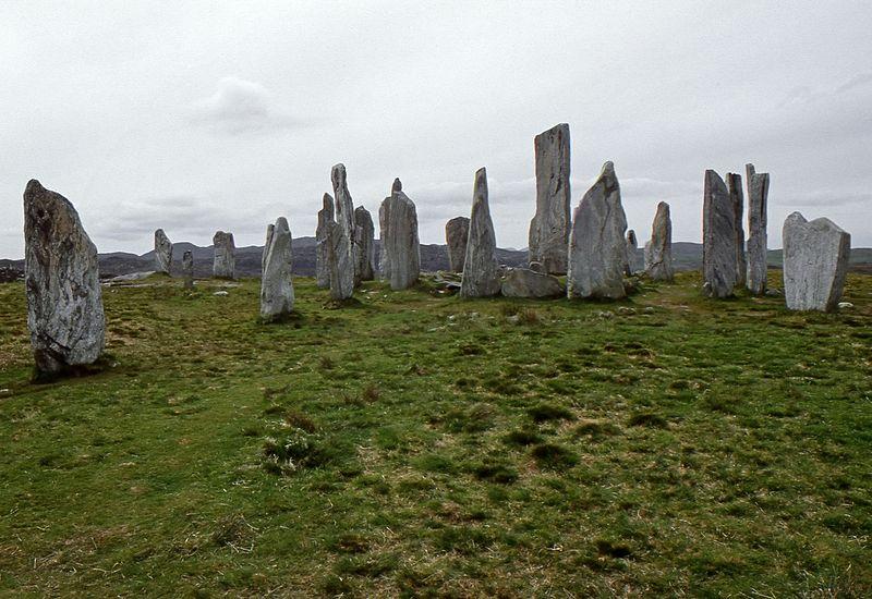 File:Callanish Stones - Isle of Lewis, Scotland, UK - May 24, 1989 03.jpg