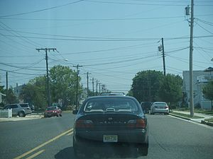 Ocean Drive (New Jersey) - Northbound on Ocean Drive (Cape May CR 656) in Ocean City at 16th Street.