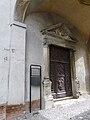 Cassine-oratorio ss trinità-portone d'ingresso.jpg