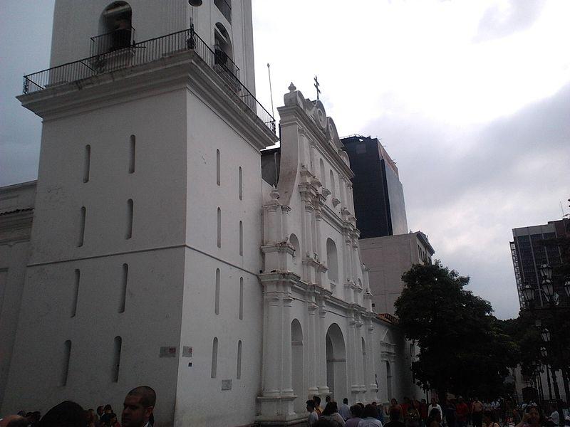 File:Catedral de Caracas, Centro de Caracas..jpg