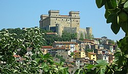 Celano with the Piccolomini Castle.