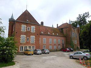 Athée, Côte-d'Or - Image: Château d'Athée (Côte d'Or), côté cour