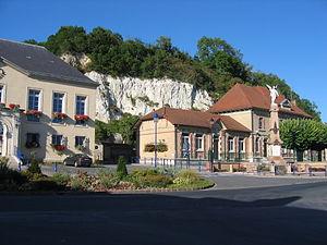 Château-Porcien - Image: Chateau Porcien Ardennes France 01