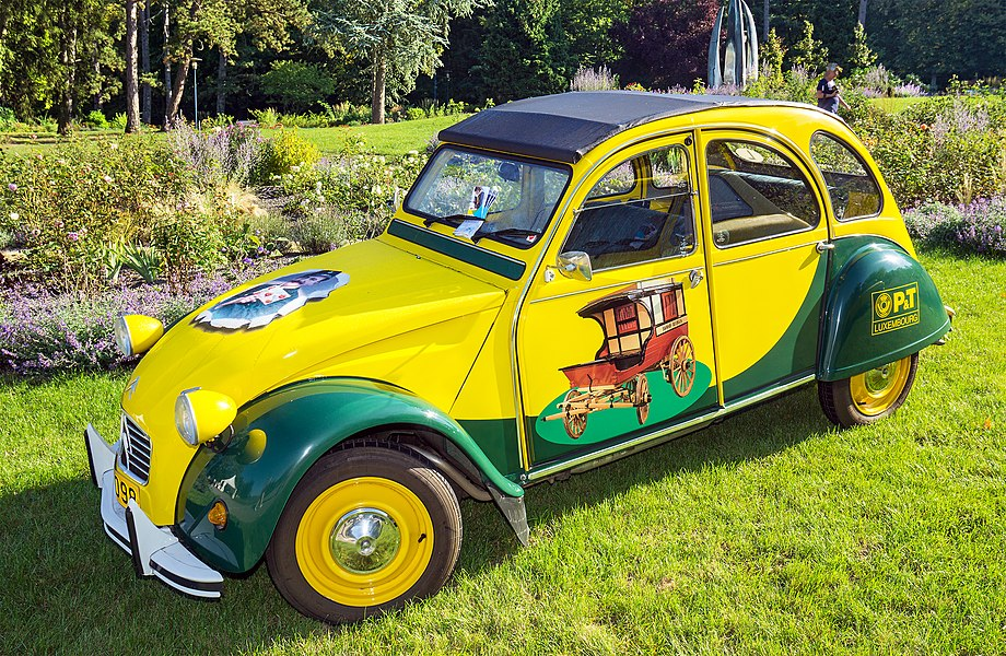 "Citroën 2CV of P&T Luxembourg at ""Make a Wish"" in Mondorf"