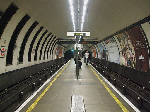 Clapham North stn look south
