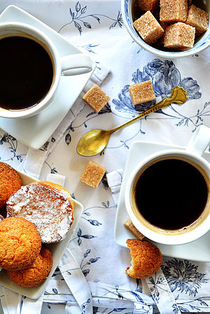 Coffee & cookies (17174288756).jpg
