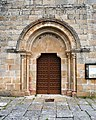 Coles, Melias, igrexa, porta.JPG