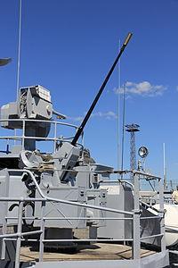 Commandant Blaison 20 mm F2 starboard 3.JPG