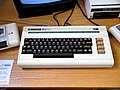 Commodore VIC-20 (2189566849 retouched).jpg