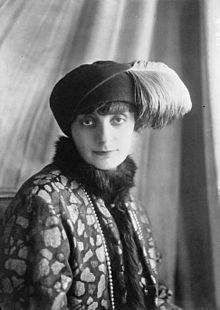http://upload.wikimedia.org/wikipedia/commons/thumb/4/4c/Comtesse_de_Noailles-1922.jpg/220px-Comtesse_de_Noailles-1922.jpg