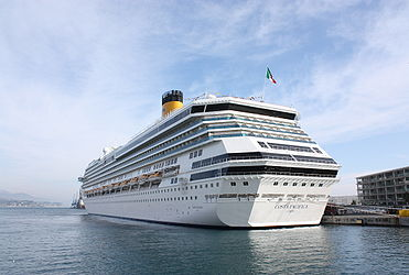 Costa Pacifica in Savona 2010 6.jpg