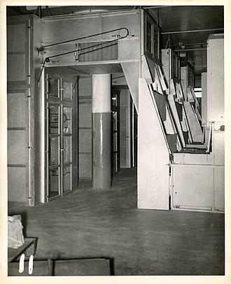 New World Pasta - Three dry pasta lines making spaghetti at the Ronzoni Macaroni Company factory in New York, circa 1960.