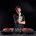 DJ DYSFUNKSHUNAL PRESS PICS 2010 - 10.jpg
