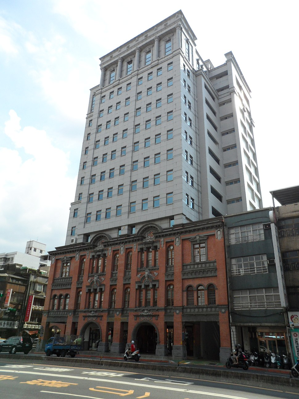 Dadaocheng Building (Council of Indigenous Peoples) 20130708