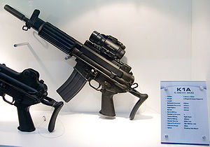 Daewoo K1A SMG at Defense Asia 2006 0.jpg