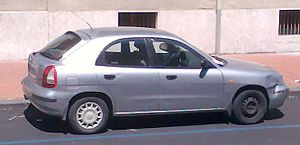 Daewoo Nubira - Image: Daewoo Nubira 5door