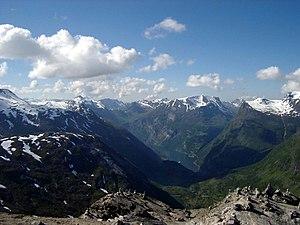 Møre og Romsdal - Image: Dalsnibba; Blick auf Geiranger 2 Norwegen