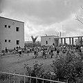Dansende kinderen van het kinderdorp Oniem, Bestanddeelnr 255-0541.jpg