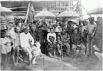 Datu Uto - Uto with his wife, Rajah Putri, in center.