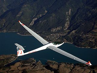 Glider (aircraft) broad type of heavier-than-air aircraft designed for operation without an engine
