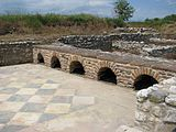 http://upload.wikimedia.org/wikipedia/commons/thumb/4/4c/Dion_archaeological_site_112.jpg/160px-Dion_archaeological_site_112.jpg