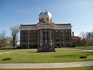 Divide County Courthouse in Crosby