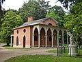 Domek gotycki w puławskim parku.jpg