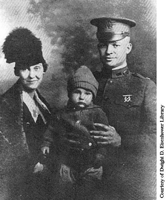 Doud Eisenhower - Doud with his parents, Mamie and Dwight.