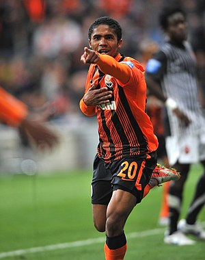 Douglas Costa - Douglas playing for Shakhtar in 2011