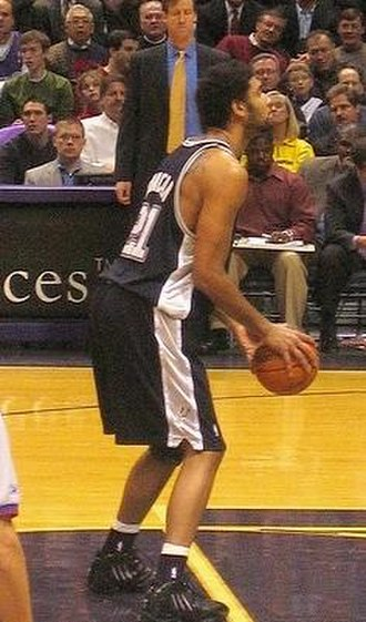 Tim Duncan - Duncan at the free throw line in 2005