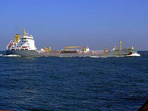 EK-Star p3 approaching Port of Rotterdam, Holland 19-Apr-2007.jpg